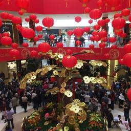 """Asians help South Coast Plaza Become the """"Richest"""" Mall in the U.S."""